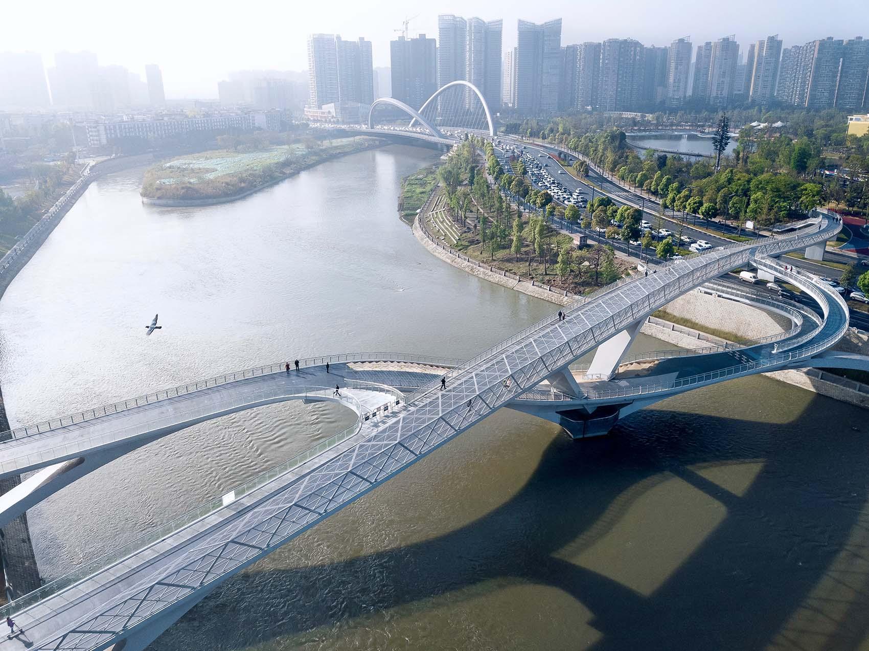 Daylight Arial Shot 五岔子大橋 - Wuchazi Bridge (INFINITE LOOP)