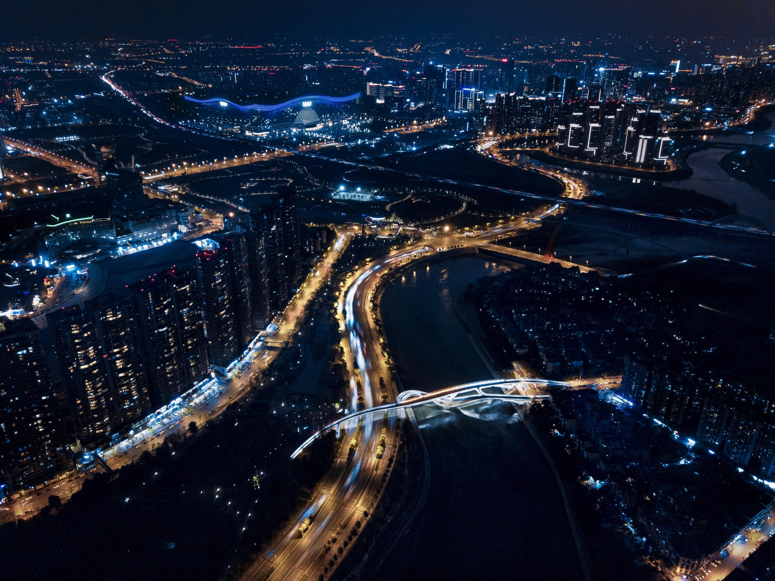 五岔子大橋 Wuchazi Bridge night bird view with city scape