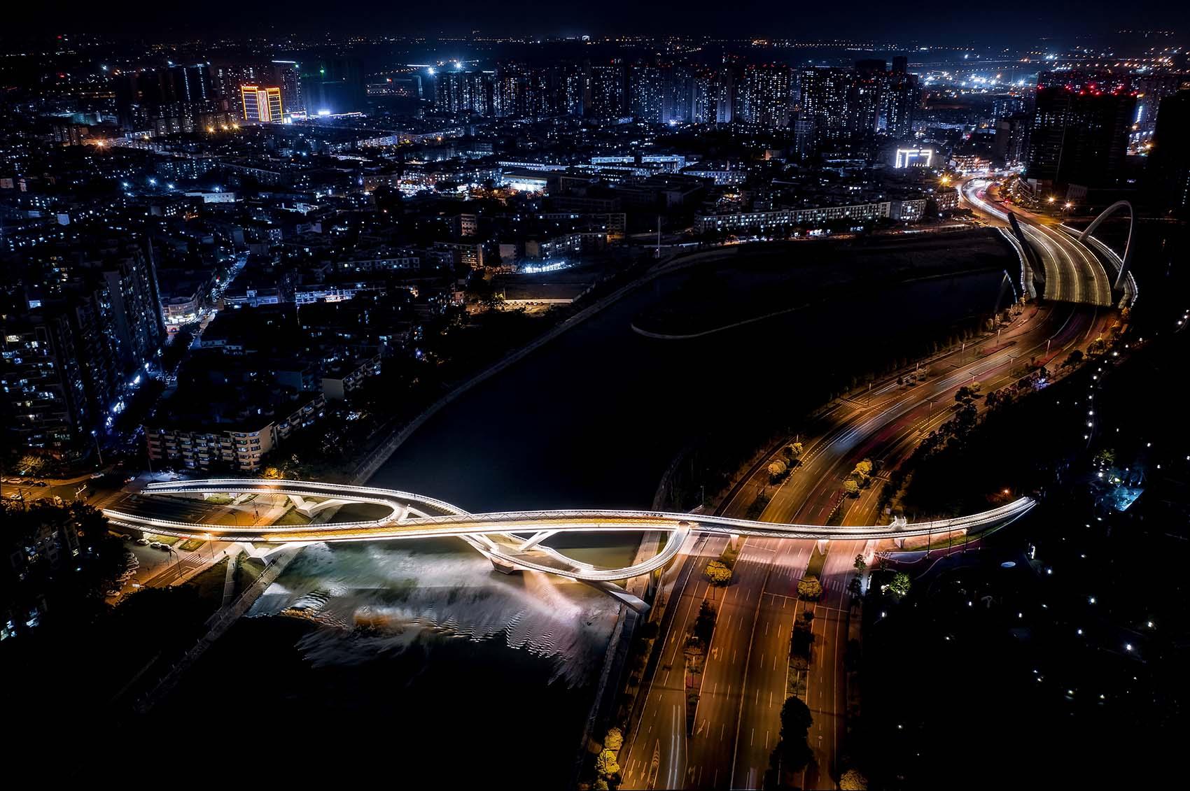 五岔子大橋 Wuchazi Bridge night bird view